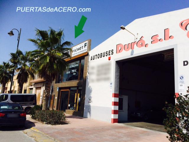 tienda exposición dentro del casco urbano de Riba-roja del Turia