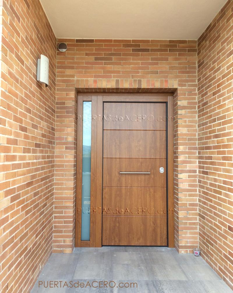 Sistema de alarma en puerta acorazada de ganchos