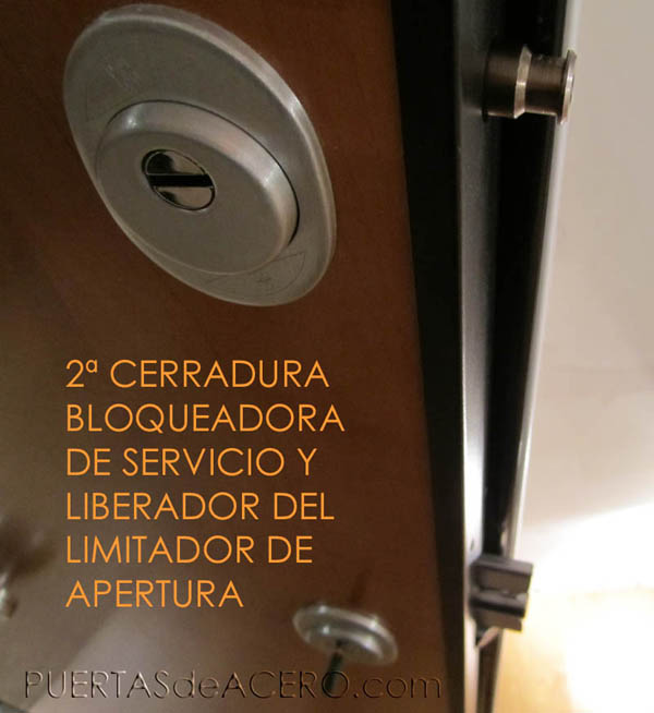 Segunda cerradura de servicio bloqueadora