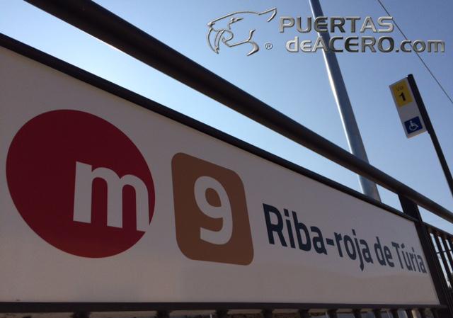 estación de Riba-roja de Turia a 50 metros de la tienda de puertasdeacero.com